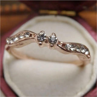 シンプルなラインストーンのデザインピンクゴールドリング指輪大きいサイズ(リング(指輪))