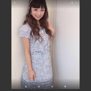 トゥービーシック(TO BE CHIC)の新品タグ未着 小倉優子さん着用 TO BE CHIC お洒落なツイードワンピース(ひざ丈ワンピース)