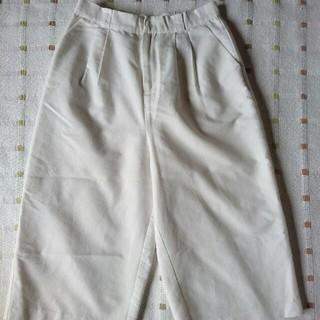 ジエンポリアム(THE EMPORIUM)のTHE EMPORIUM(ジエンポリアム)白パンツ (カジュアルパンツ)