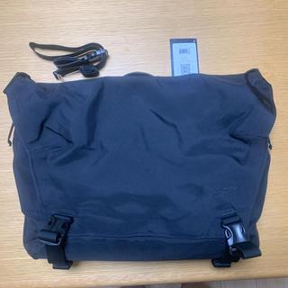 アークテリクス(ARC'TERYX)のARC'TERYX LEAF Courier Bag 15 日本未発売 美品(メッセンジャーバッグ)