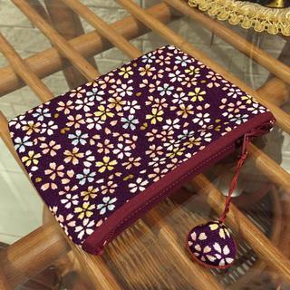 イセタン(伊勢丹)の紫 桜✿柄 ☆ 二枚貝チャーム付きポーチ(ポーチ)