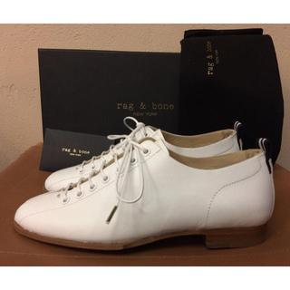 ラグアンドボーン(Rag & Bone)の定価6万程 rag&bone レザーシューズ ホワイト 革靴 ラグ&ボーン(ローファー/革靴)