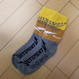 バレンシアガ(Balenciaga)のvetements 靴下 dude9(ソックス)