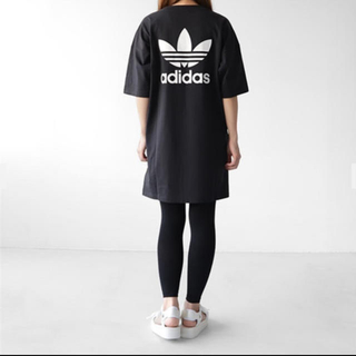 アディダス(adidas)のadidas アディダスオリジナルス オーバーサイズ トレフォイル ワンピース(ひざ丈ワンピース)