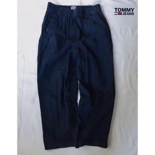 トミーヒルフィガー(TOMMY HILFIGER)のTOMMY JEANS トミージーンズ ゆったりイージーパンツダボパン NAVY(カジュアルパンツ)