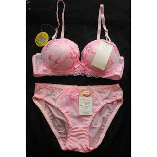 新品♥ピンク フラワー刺繍 ノンワイヤー ブラ&ショーツ M セット痛くない(ブラ&ショーツセット)