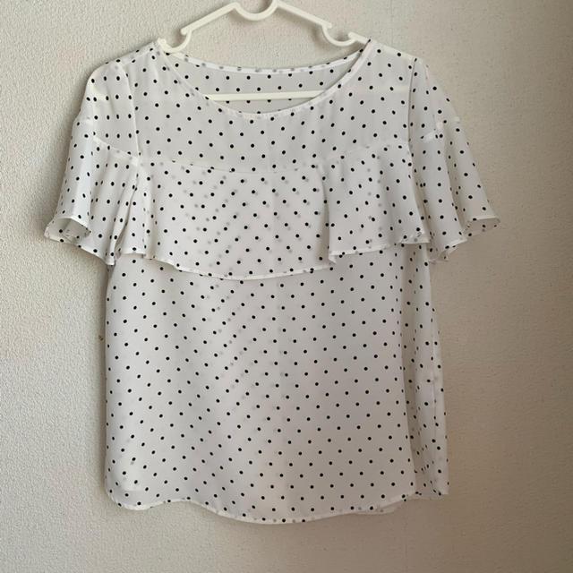GU(ジーユー)のジーユー ドットブラウス レディースのトップス(シャツ/ブラウス(半袖/袖なし))の商品写真