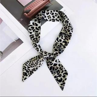 マウジー(moussy)の完売商品☆レオパード スカーフ ホワイト(バンダナ/スカーフ)