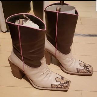 ミュウミュウ(miumiu)のウエスタンブーツ(ブーツ)