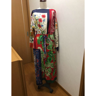グッチ(Gucci)のGUCCI シルク ワンピース カフタン風 パッチワーク ドレス スカーフ(ロングワンピース/マキシワンピース)