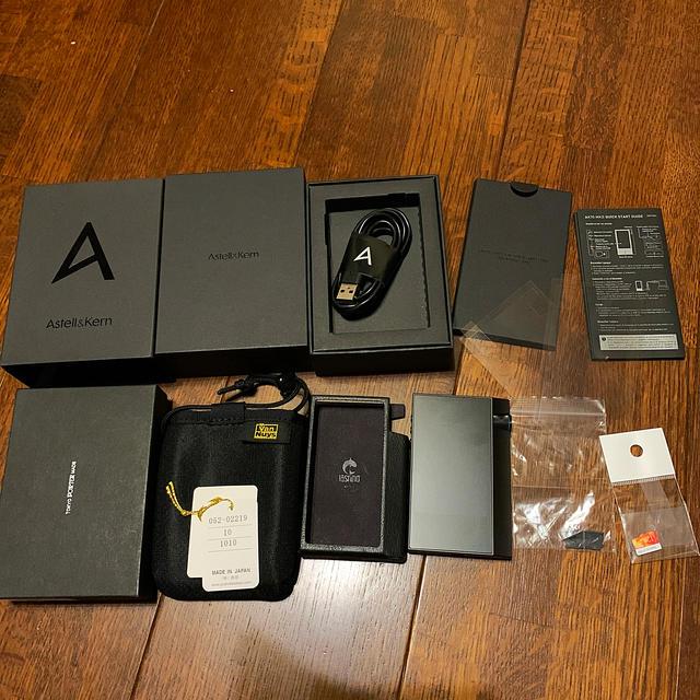 iriver(アイリバー)のAstell&Kern AK70 MK2  付属品多々 スマホ/家電/カメラのオーディオ機器(ポータブルプレーヤー)の商品写真