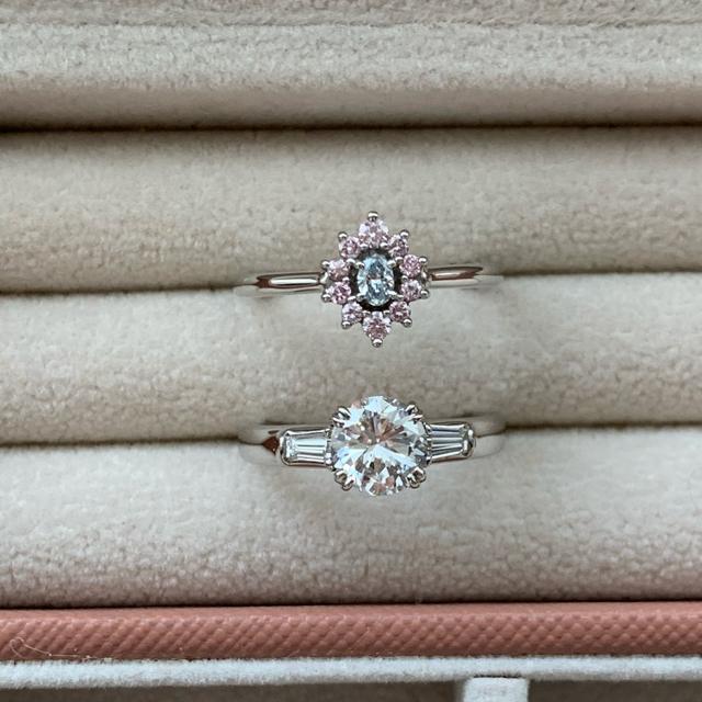 Pt 900 ブルーダイヤ・ピンクダイヤリング レディースのアクセサリー(リング(指輪))の商品写真
