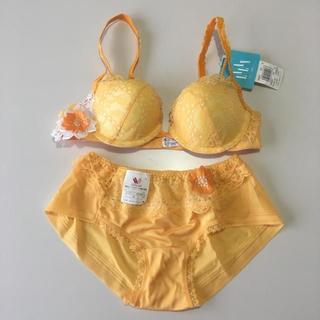 ワコール(Wacoal)のWacoal LALAN (C70)Mサイズ ブラ&ショーツ 黄色 16150(ブラ&ショーツセット)