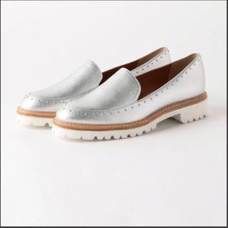 オデットエオディール(Odette e Odile)の今期 オデットエオディール スタッズローファーシルバー(ローファー/革靴)