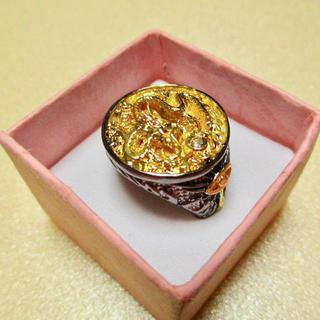 特価高品質!ゴシックな変形ゴールドステンレスリング(ドラゴン) 15、16号相当(リング(指輪))