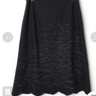 ミナペルホネン(mina perhonen)のミナペルホネン  ウール カットワーク スカート 濃紺 36(ひざ丈スカート)