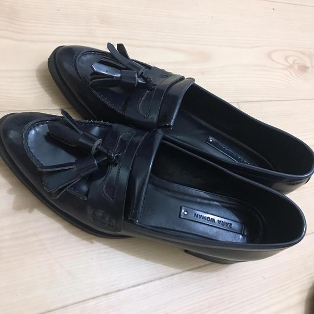 ZARA(ザラ)のZARA Woman タッセルローファー レディースの靴/シューズ(ローファー/革靴)の商品写真