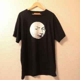 エムエムシックス(MM6)の【VYNER ARTICLES】ムーンプリント Tシャツ ブラック 【吾亦紅】(Tシャツ/カットソー(半袖/袖なし))
