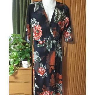 アーモワールカプリス(armoire caprice)の❤パープルレイン❤新品タグ付き✨お花柄カシュクールワンピース(ひざ丈ワンピース)
