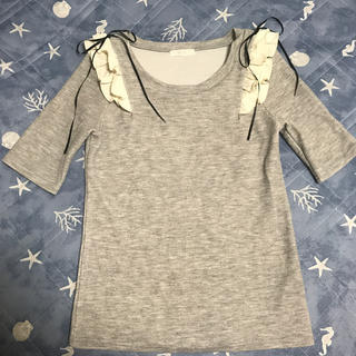 ミーア(MIIA)のMIIA フリルリボントップス(カットソー(半袖/袖なし))