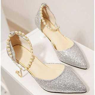 新品送料込◆おしゃれパンプス◆ベルト付◆パーティ◆結婚式◆靴シルバー22.5cm(ハイヒール/パンプス)