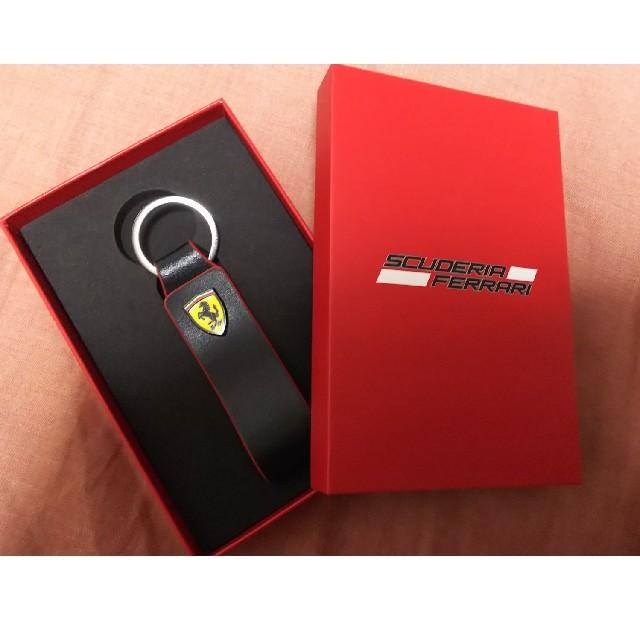 Ferrari(フェラーリ)のFerrari スクーデリア レザーストラップキーホルダー  自動車/バイクの自動車(その他)の商品写真