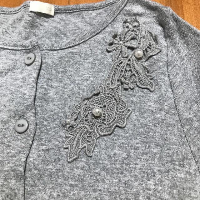 GU(ジーユー)のGU カーディガン 刺繍パール キッズ/ベビー/マタニティのキッズ服女の子用(90cm~)(カーディガン)の商品写真