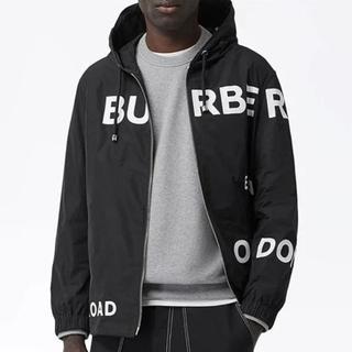 BURBERRY - 新品未使用!送料込み★Burberry★ホースフェリープリントフードジャケット