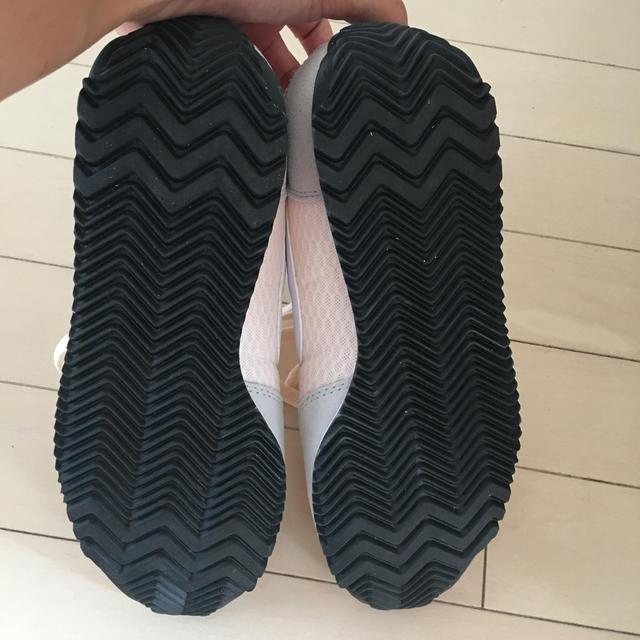 NIKE(ナイキ)の未使用 NIKE スニーカー ベビーピンク レディースの靴/シューズ(スニーカー)の商品写真