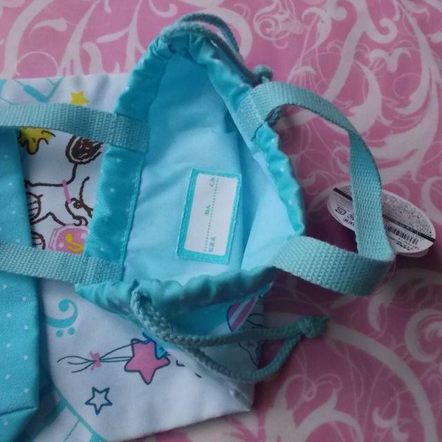 SNOOPY(スヌーピー)のスヌーピーSNOOPY巾着バック水色 キッズ/ベビー/マタニティのこども用バッグ(ランチボックス巾着)の商品写真