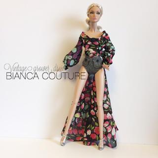 バービー(Barbie)の専用出品.fashion royaltyオーダーお洋服(人形)