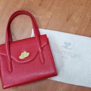 クレージュ(Courreges)のcourrgesバック 綺麗な赤 ゴールドのハートの止め金未使用に近い(ハンドバッグ)