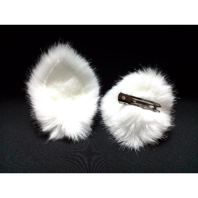 【 ホワイトネコミミ 】ヘアピンねこみみ◆白色◆頭の髪に着けられる猫耳 ハンドメイドのアクセサリー(ヘアアクセサリー)の商品写真
