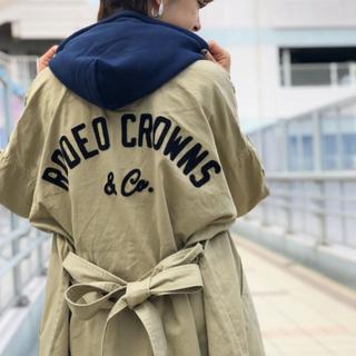 ロデオクラウンズワイドボウル(RODEO CROWNS WIDE BOWL)のRODEO CROWNS フード ミリタリー ワンピース(ひざ丈ワンピース)