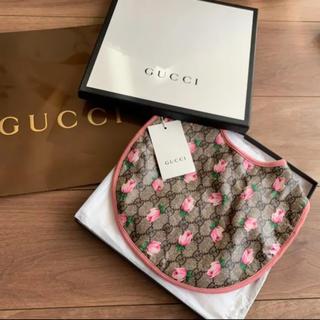 グッチ(Gucci)の【新品未使用】GUCCI フラワースタイ(ベビースタイ/よだれかけ)