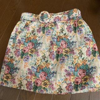 アベイル(Avail)の花柄スカート(ミニスカート)
