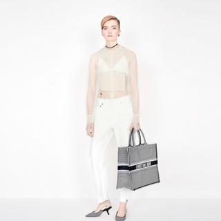 クリスチャンディオール(Christian Dior)の最新作❗️ディオール ja dior   リボンストラップ  サンダル(サンダル)