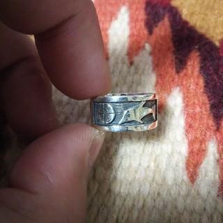 インディアン(Indian)のインディアンジュエリー ホピ族 イルカ オーバーレイ シルバーリング 指輪 (リング(指輪))