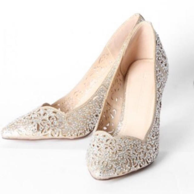 GRACE CONTINENTAL(グレースコンチネンタル)のグレースコンチネンタル  パンプス ゴールド レディースの靴/シューズ(ハイヒール/パンプス)の商品写真