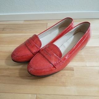 イセタン(伊勢丹)のエナメルローファー  25.5cm 赤(ローファー/革靴)