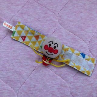 バンダイ(BANDAI)のアンパンマン  ベビー ラトル まきまき 腕輪  ガラガラ(がらがら/ラトル)