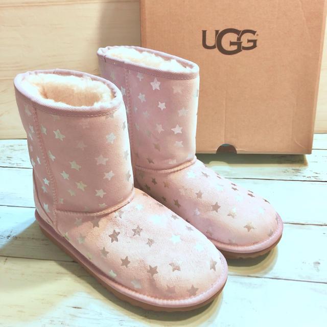 UGG(アグ)のUGG 新品 アグ 正規品 24 ラベンダー スター ショート ムートン ブーツ レディースの靴/シューズ(ブーツ)の商品写真
