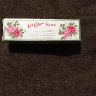 キャスキッドソン(Cath Kidston)のキャスキッドソン ROSEハンドクリーム  75ml 新品 英国購入(ハンドクリーム)
