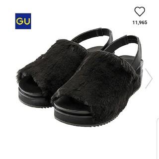 GU - フェイクファーサンダル