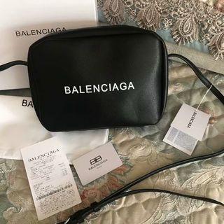 バレンシアガ(Balenciaga)のBalenciagaショルダーバッグ(ショルダーバッグ)