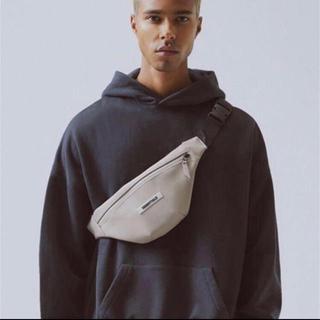 フィアオブゴッド(FEAR OF GOD)のfog essentials water proof waist bag(ウエストポーチ)