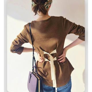 イエナ(IENA)の【Uhr/ウーア】 別注 BACK-BELTED リブロングTシャツ(Tシャツ(長袖/七分))