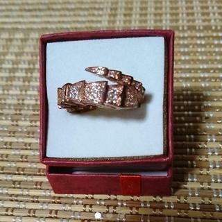 白蛇リングデザインのリング(リング(指輪))