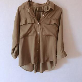 ジーユー(GU)のサテンダブルポケットブラウス(シャツ/ブラウス(半袖/袖なし))