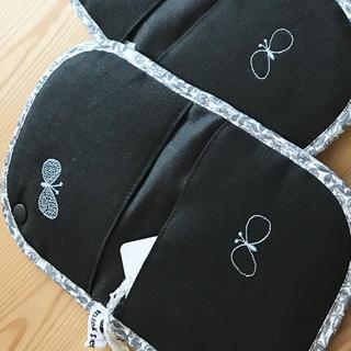 ミナペルホネン(mina perhonen)のミナペルホネン choucho 鍋つかみ2点セット ブラック(キッチン小物)